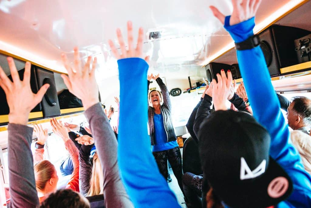 Asics Fuzex Bus fahrt